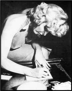 Marilyn-Monroe-Writing